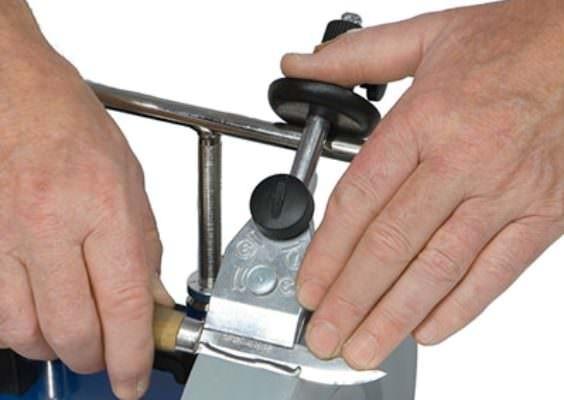 SVM-45 Schleifvorrichtung für Kerbschnitzmesser